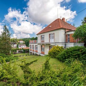 Pronájem bytu v Českých Budějovicích můžete získat celkem snadno a to i při silné konkurenci mnoha dalších zájemců. Chcete vědět, jak na to?